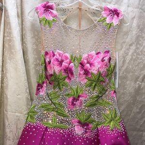 Jovani fuchsia floral gown size 6 NWT